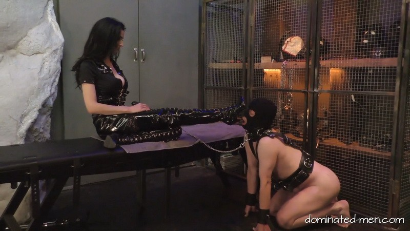 Lick my boots - Mistress Zita. 2020-01-28. Dominated-men.com (345 Mb)