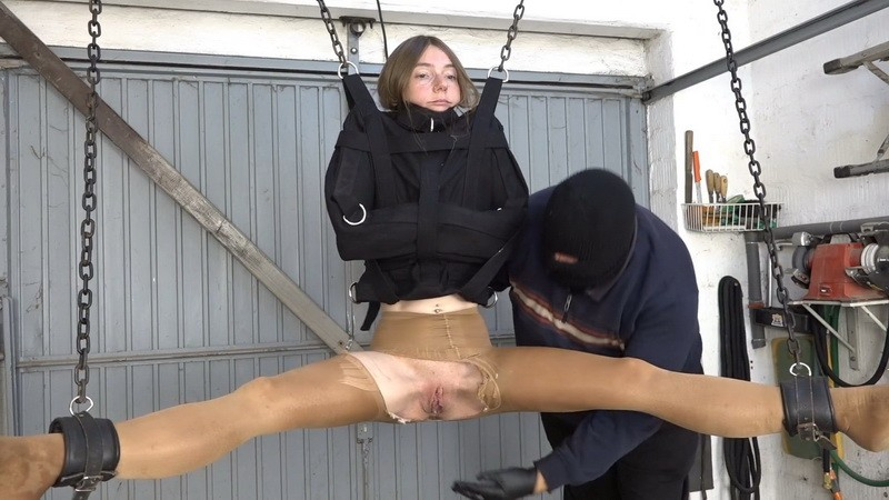 Blowjob and fist in the straightjacket - Karina. 2021-02-05. Amateure-Xtreme.com (200 Mb)