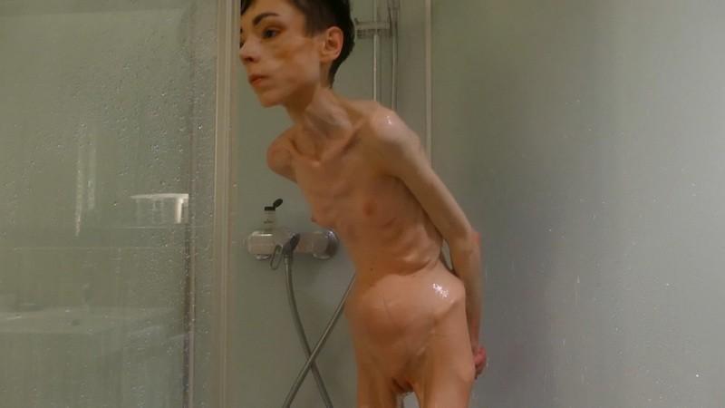Christin taking a shower. 30 Sep 2019. Skinnyfans.com (263 Mb)