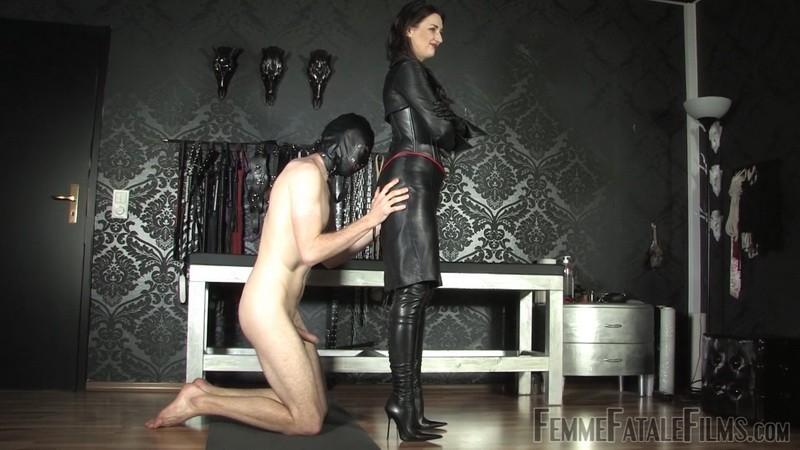 Leather Goddess - Lady Victoria Valente. 13th Apr 2021. Femmefatalefilms.com (592 Mb)