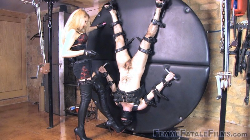 Lick & Spin - Mistress Eleise de Lacy. 17th Jan 2021. Femmefatalefilms.com (858 Mb)